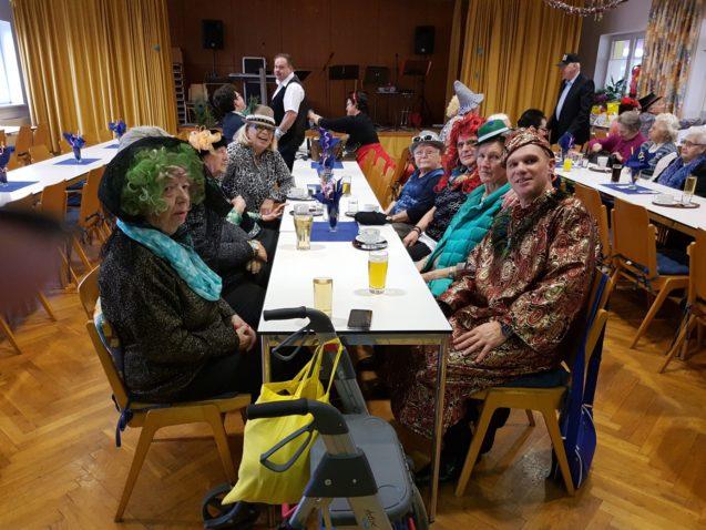 Besuch beim Seniorenfasching in Pottenbrunn